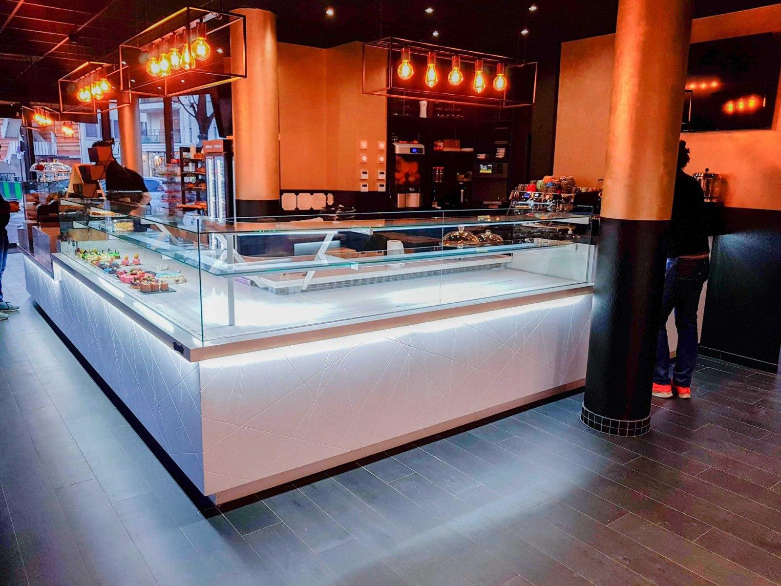 Agencement pâtisserie pierre & honoré la defense PARIS